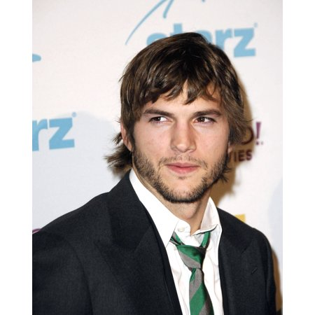 Ashton Kutcher At Arrivals For Hollywood Film Festival 10Th Annual Hollywood Awards The Beverly Hilton Hotel Beverly Hills Ca October 23 2006 Photo By Michael GermanaEverett Collection Celebrity