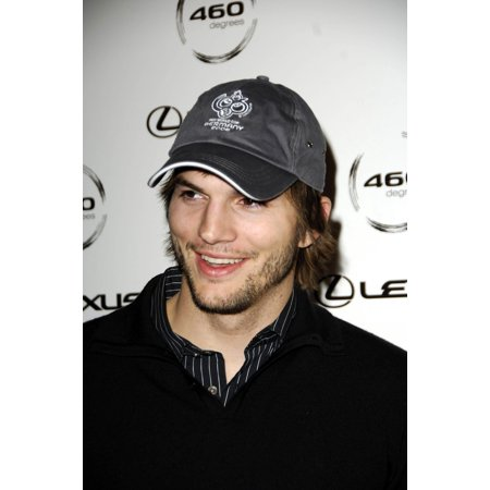 Ashton Kutcher At Arrivals For Lexus 460 Degrees Gallery Debut 460 Degrees Gallery Beverly Hills Ca October 20 2006 Photo By Michael GermanaEverett Collection Celebrity