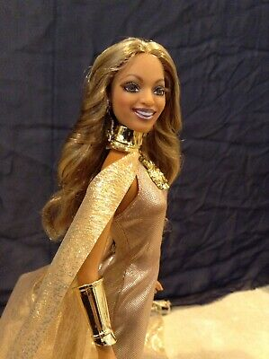 Beyoncé Destiny's Child Celebrity Model Hollywood Diva Barbie doll
