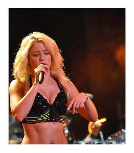 music live grand prix hips entertainment dont lie concerts formula1 shakira waka fornula1
